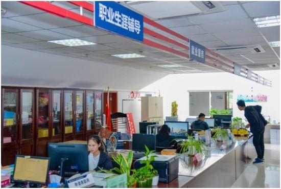 """打造""""有温度""""的校园 上海电机学院回应师生关切"""
