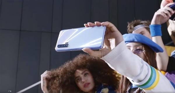威尼斯人娱vs88.com,争做普及者!OPPO持续优化5G体验 明年3000以上全部5G