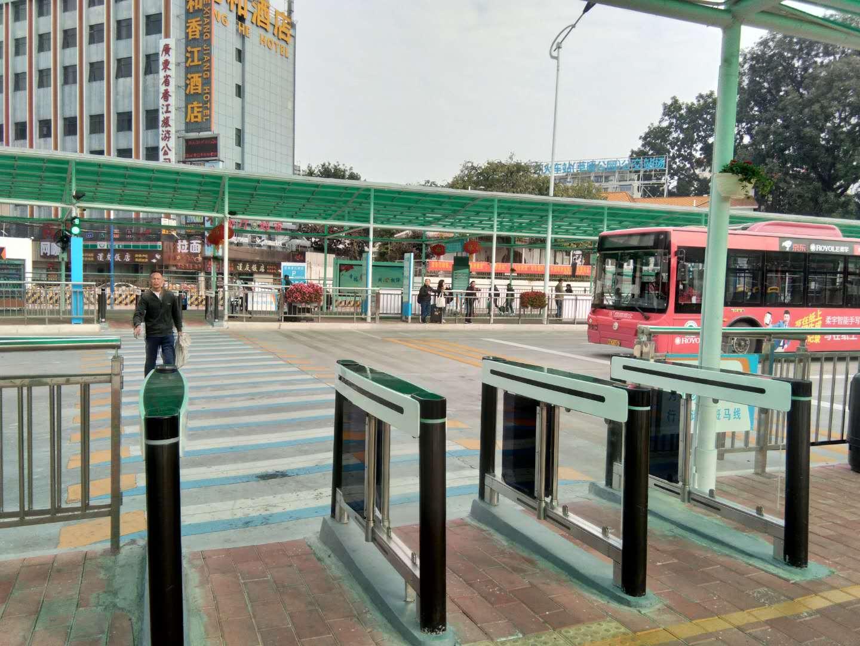 智慧春运让旅途更美好――广州公交集团公交站场中心投入使用公交站场人行通道摆闸系统