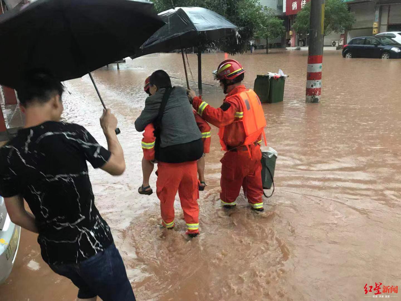 四川眉山一夜暴雨 青神县最大降雨量超322毫米
