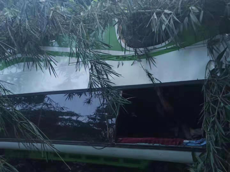 中国旅行团老挝车祸13人遇难 旅行社称系正规拼团|旅行团|人遇难