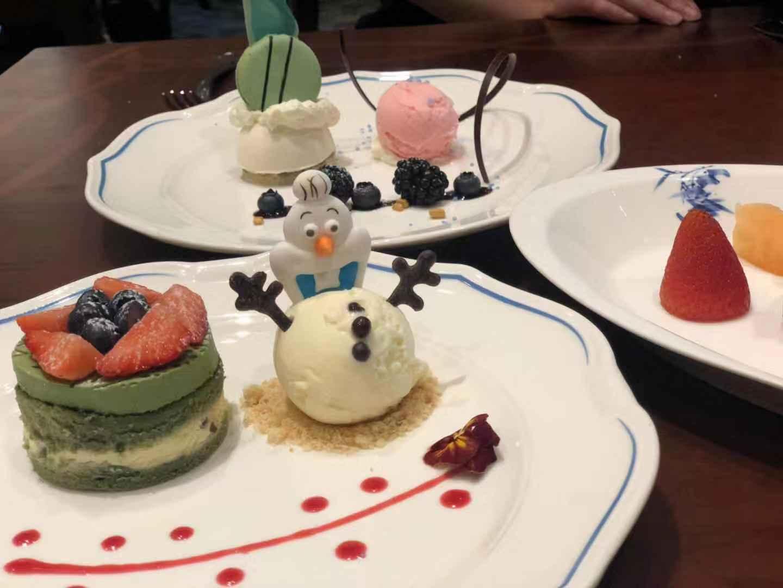 迪士尼主题餐厅内食品。摄影:新京报记者李妍