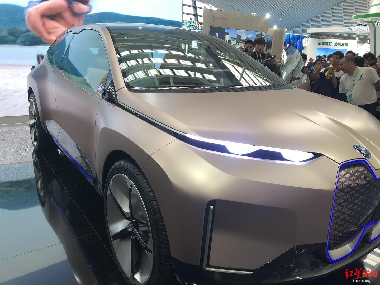探馆|宝马纯电动车首次亮相:自动驾驶、手势语音指挥……