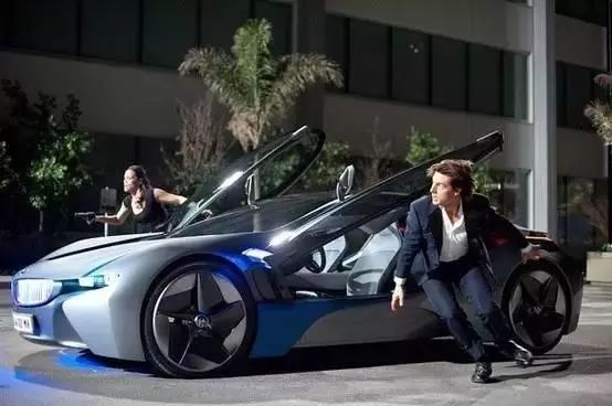 """新买辆大宝马,停马路边就不见了?!这车真是台""""抢手货""""!"""