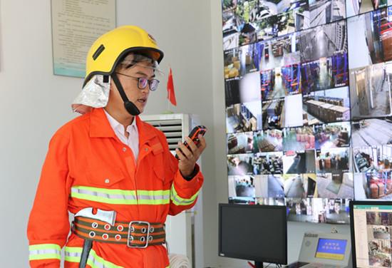 龙岩房产网-龙岩经济技术开发区消防区域联防队长陈紫川:爱较真的消防管理员