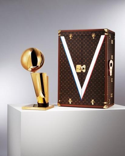 LV成为NBA总冠军奖杯旅行箱的赞助商