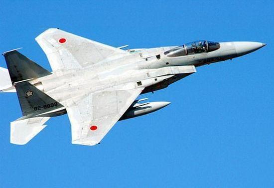 日本航空自卫队一战机因油压系统故障紧急着陆