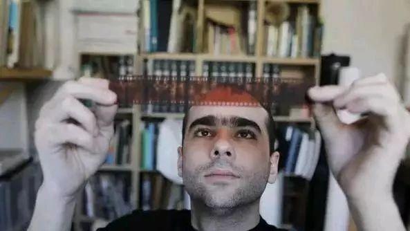 这个法国人从北京废品站买了50万张旧胶卷,洗出来的照片炸了…