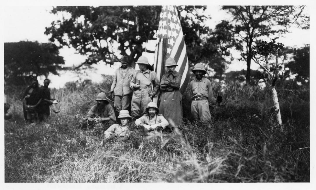 老罗斯福狩猎场景,图源:史密森学会档案馆