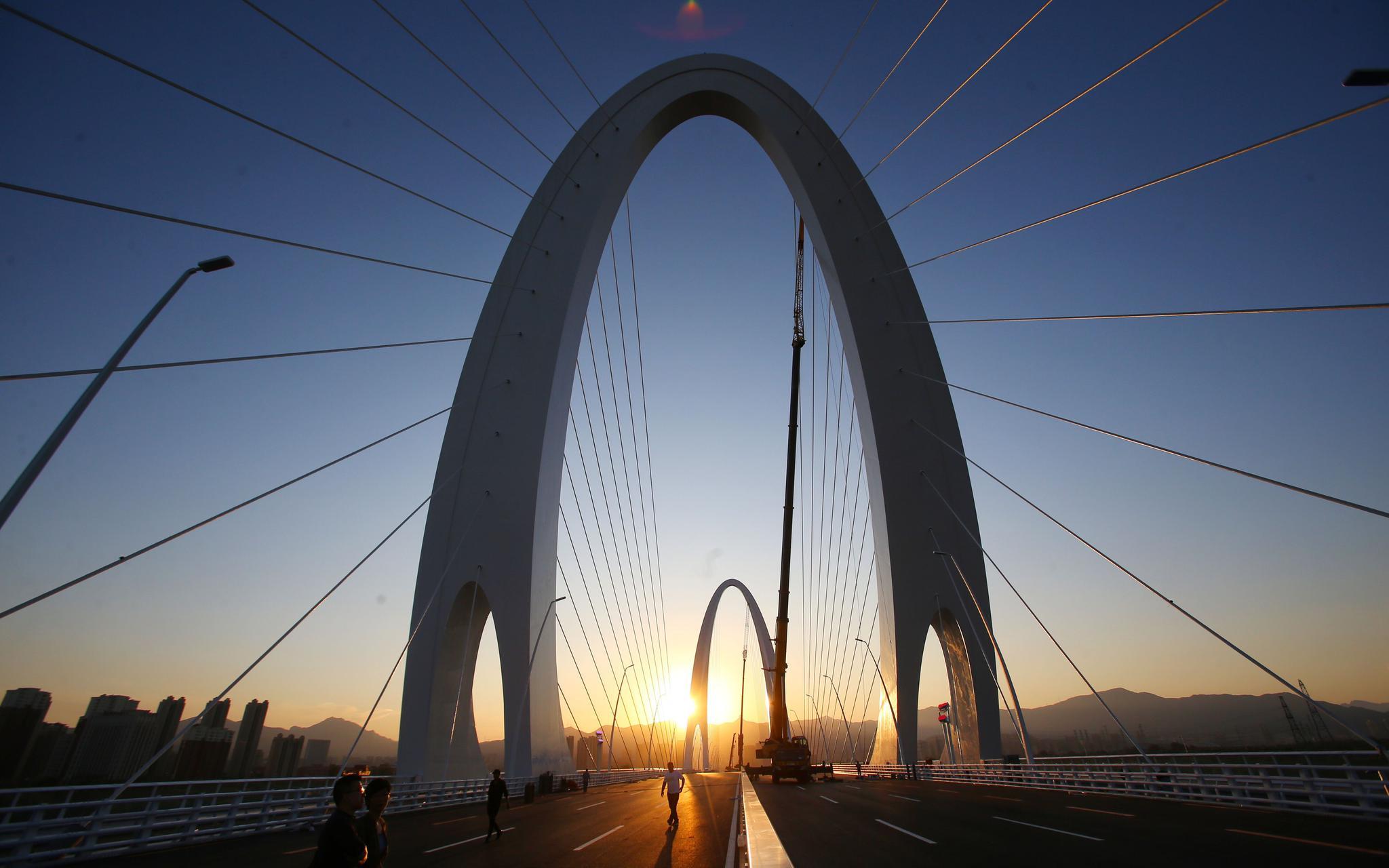 北京新首钢大桥今通车 道路主路设4上4下8条车道