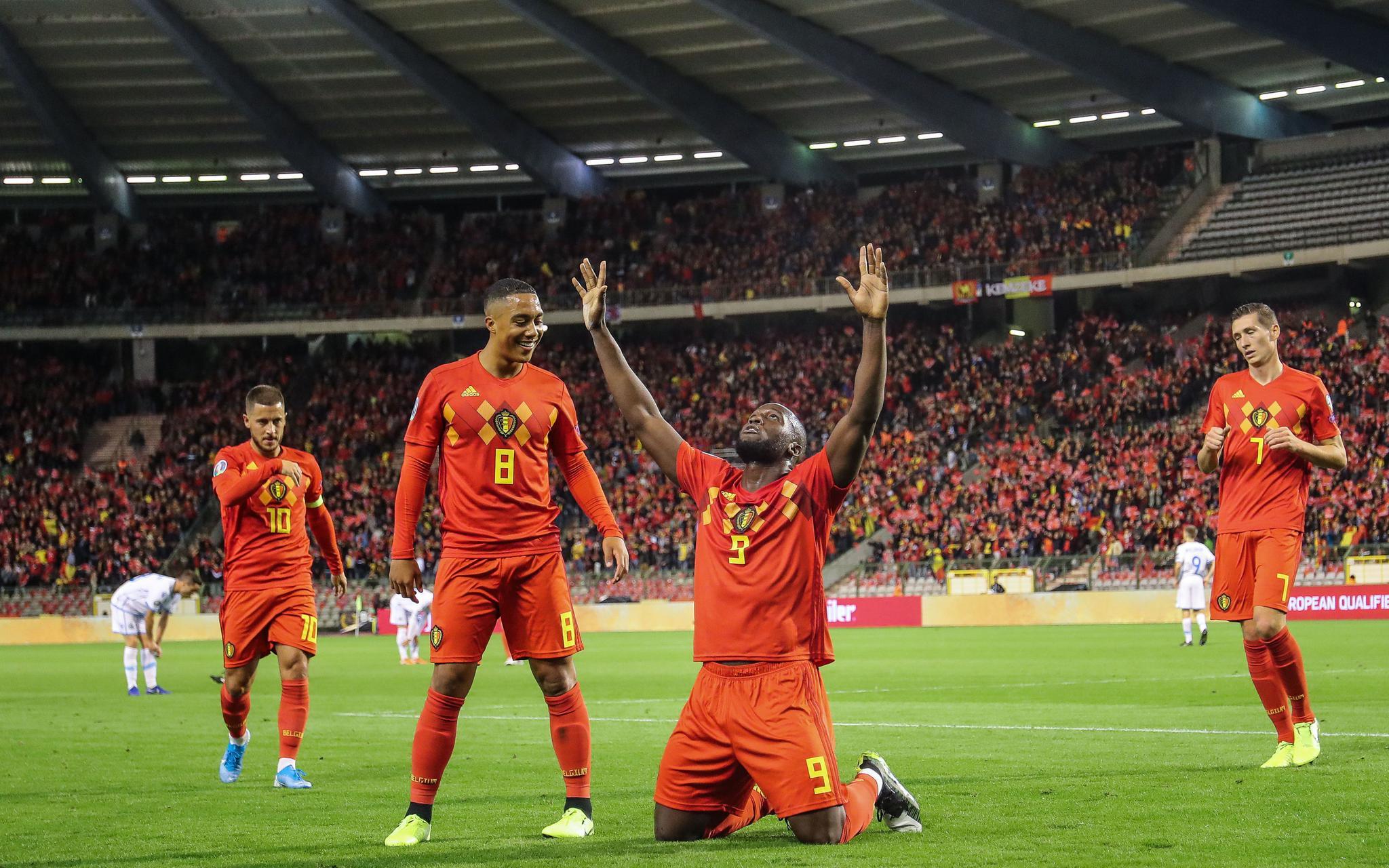 体育晨报:比利时9球大胜,唐茜靖全能摘银