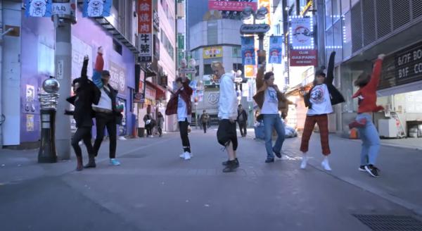 《女神异闻录》真人舞蹈短片 动作整齐划一,嗨爆全场