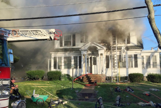 美国马萨诸塞州39地发生爆炸并起火 至少4人受伤