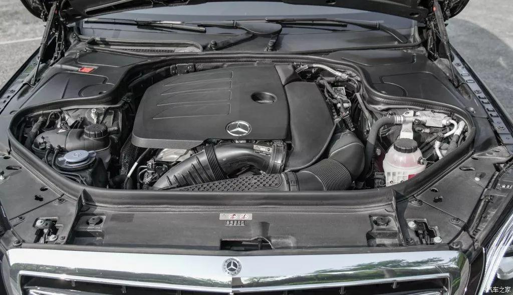 """6缸变4缸,3.0T变2.0T,动力不降反升!不愧是""""大奔""""!"""