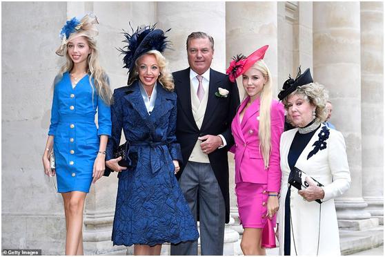 """法国举办""""世纪婚礼"""",拿破仑后人娶奥地利女公爵,两大家族再度联姻"""