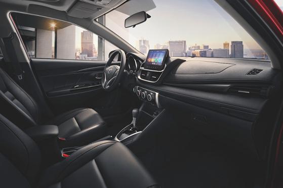 丰田致炫X7.78万起,标配LED油耗5.2L,实力叫板飞度