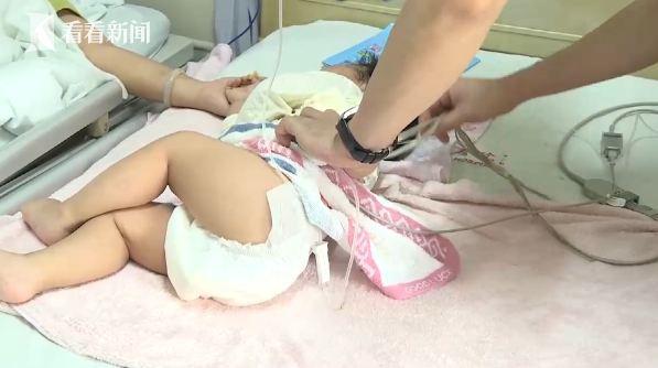 视频 母体取骨救治不到两岁的孩子 90后妈妈:取哪都行