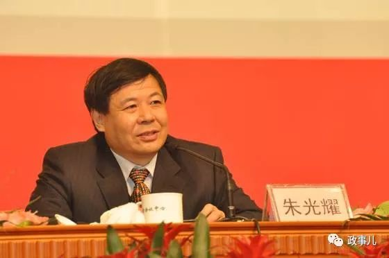 刘鹤带了8位省部级赴美 他们啥来头?