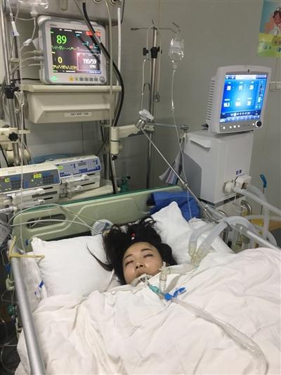 闵文清在重症监护室接受治疗。