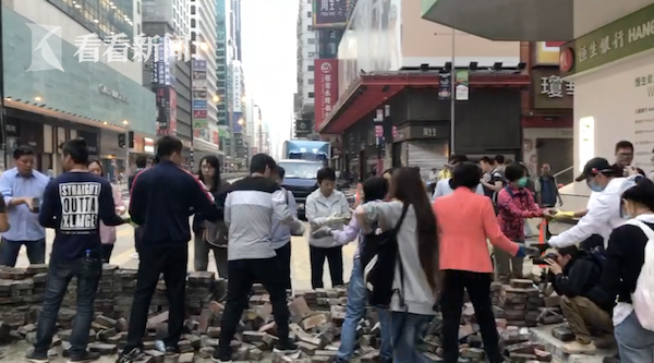 视频|今天早上,香港街头的这一幕让人热泪盈眶!