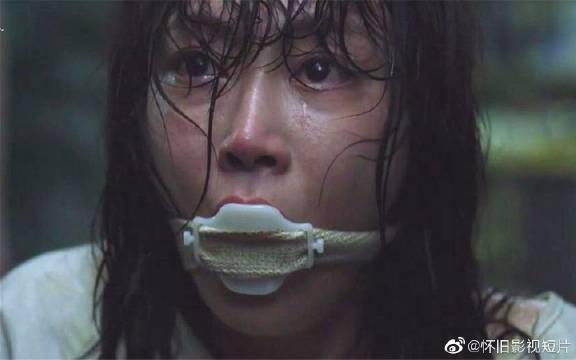 女子被强制关入精神病院,每天都惨遭折磨,还差点被摘除器官!