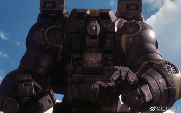 未来世界,人类只能控制巨型机器人去决斗