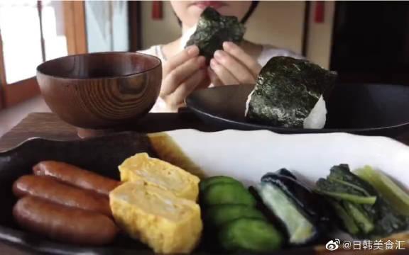 日式吃播 | 腌菜饭团