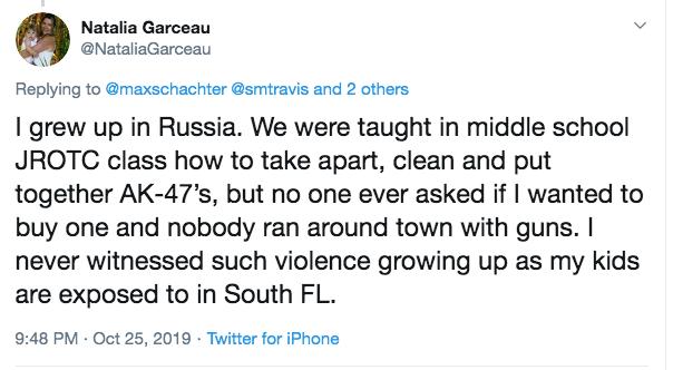 """""""我正在俄罗斯少年夜,中教的时分便正在教室上教过若何装配战组拆AK-47。可是历来出有人念要购一把枪,也出有人持枪出止。我也历来出有目击过枪枝暴力。""""/推特截图"""