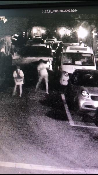 幼儿园校车反光镜被谁暗中?警方调查发现竟然是无妄之灾
