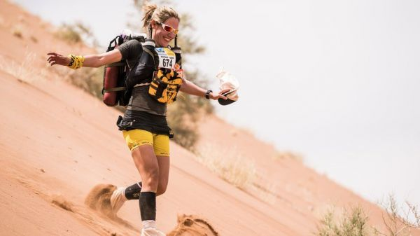 撒哈拉沙漠马拉松:9天不换衣服 跑完瘦12斤