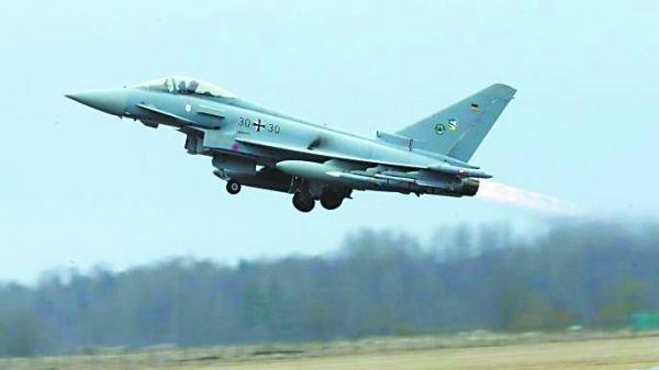 """资料图:德国的""""台风""""战机。"""