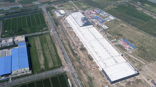 7月23日无人机拍摄的特斯推上海超等工场。(新华社)