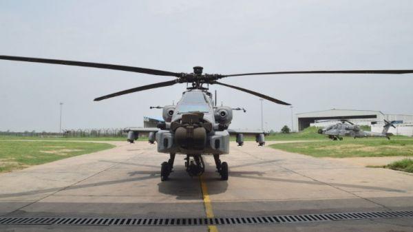 """印度空军8架""""阿帕奇""""直升机正式列装"""