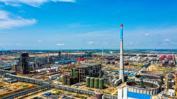 中科炼化在建项目:码头到罐区1公里 国产化率逾九成