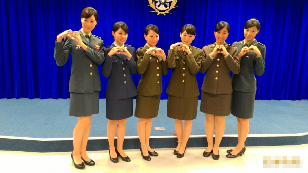 为台军做宣扬代行的女兵材料图,取内文有关 图自台媒