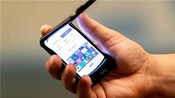 联想刘军:因技术问题,摩托罗拉Razr折叠屏手机暂不在国内上市