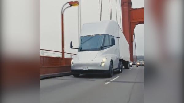 能准时量产?特斯拉发电动卡车上路视频
