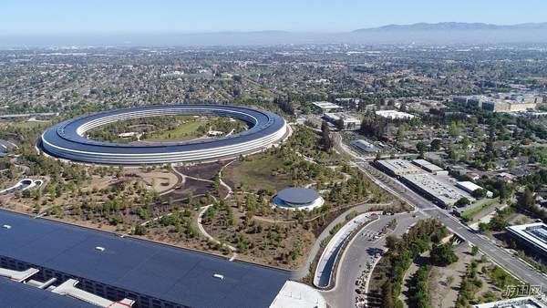 牛人晒乐高搭建苹果公司总部 85000块积木耗时两年