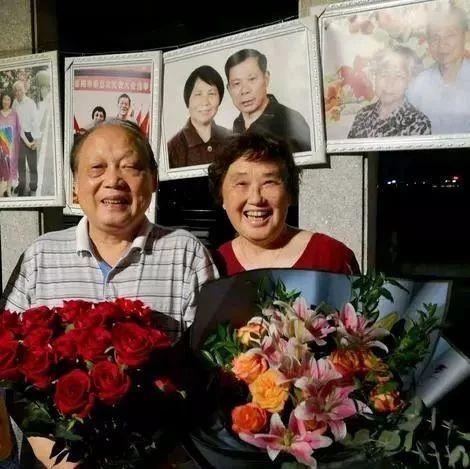 """50余载心手相牵 岳阳8位老人晒婚姻""""保鲜""""秘方"""