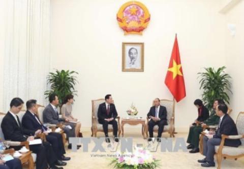 越南政府总理阮春福会见韩国国防部长官宋永武。(图源:越通社)