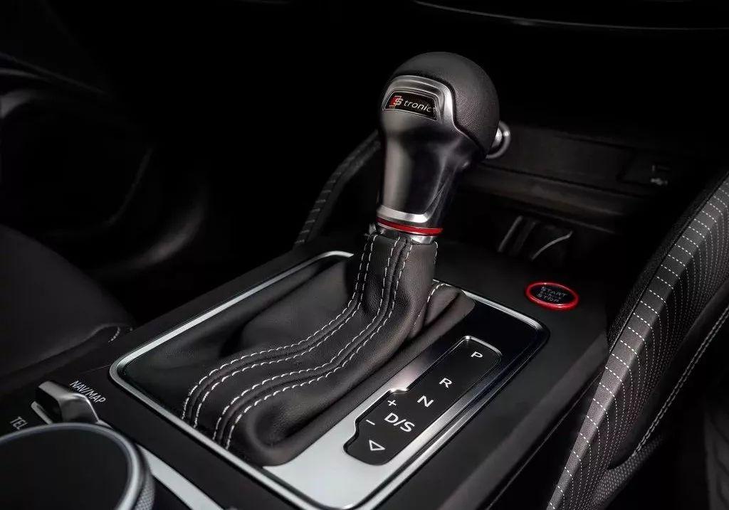 """4.8秒破百,极速250km/h!终于找到了一款我们买得起的""""性能SUV""""!"""
