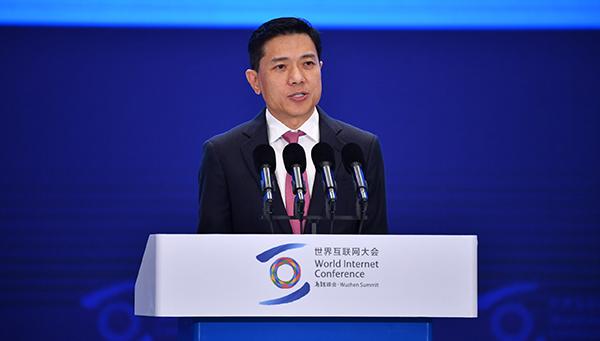 百度CEO李彦宏颁发演讲。 西方IC图