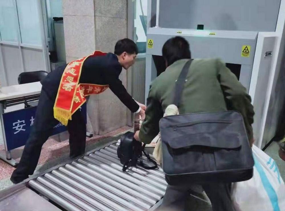 宁夏青铜峡火车站贴心服务助力菜农无忧返乡