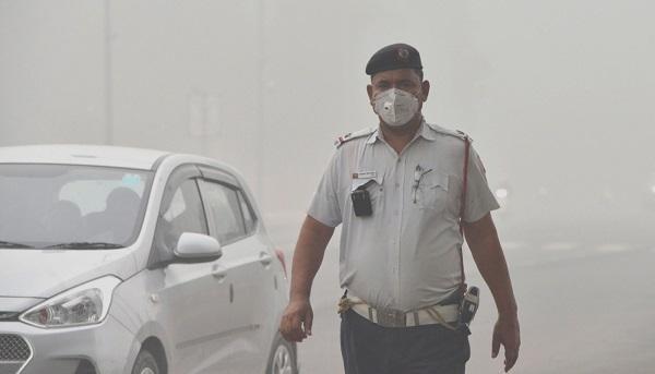 学校停课建筑工地停工 新德里为治霾车辆单双号限行