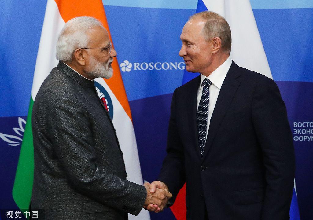 本地工夫2019年9月4日,俄罗斯符推迪沃斯托克,俄罗斯总统普京取印度总理莫迪举办结合消息公布会 @视觉中国
