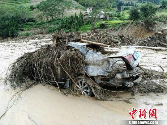 云南麻栗坡特大山洪泥石流灾害遇难者增至10人