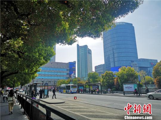 浙江多地最高温破历史同期记录 今起冷空气来袭迎降温