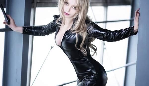 【cos】岛国美女Cos《柯南》贝尔摩得 身穿紧身皮衣魅惑迷人