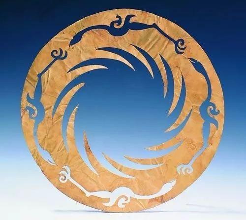 ▲被公布为中国文化遗产标志的商周太阳神鸟