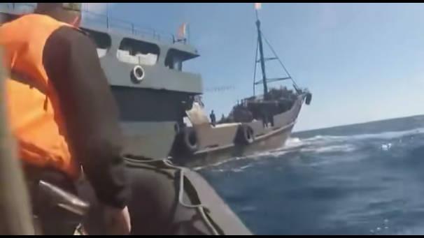 日本海,俄罗斯FSB拘留了一艘偷猎者的船只